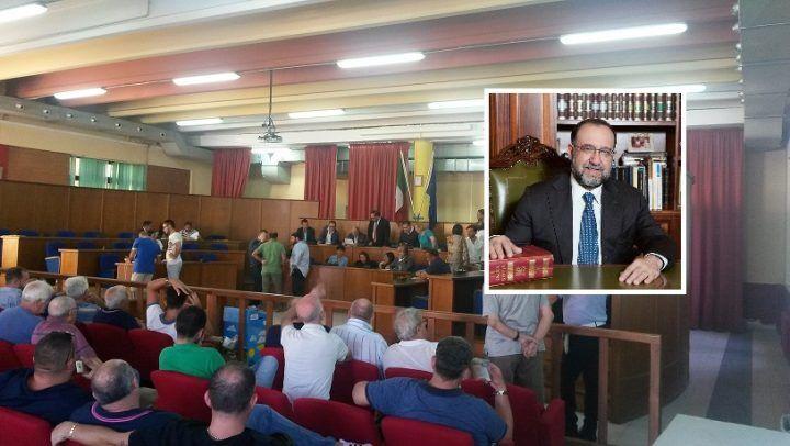 Sant'Antimo, primo consiglio comunale: il sindaco Russo presenta la giunta