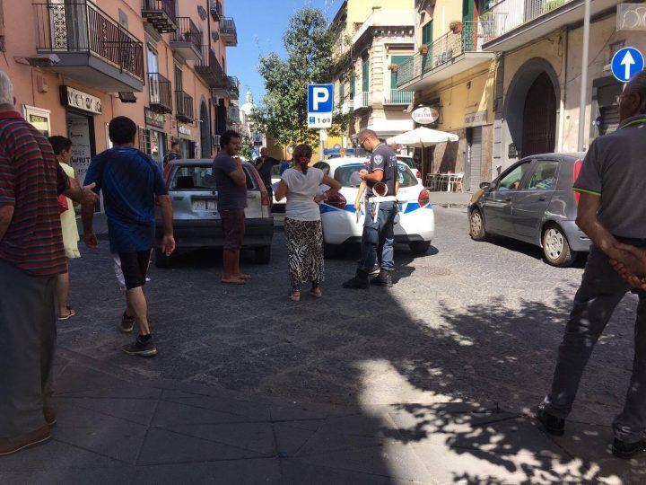 Giugliano, senza patente e senza assicurazione: sequestrato veicolo a residente del campo rom