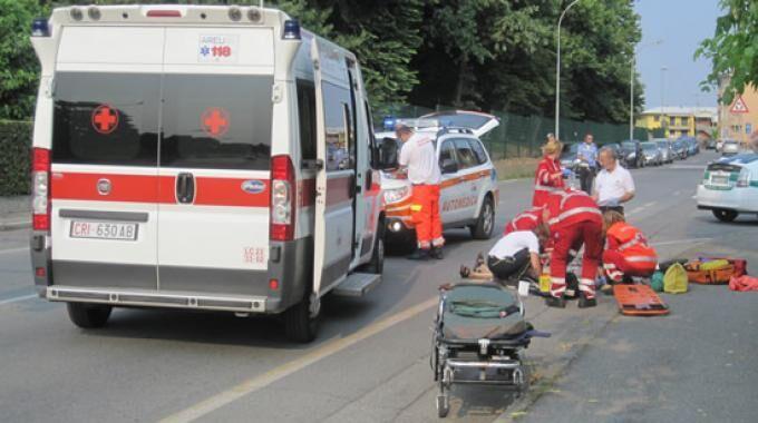 Altavilla Irpina, settantenne travolto e ucciso da un'auto in corsa