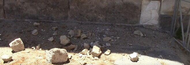 Si sbriciolano le mura della città antica, ecco l'area interdetta ai visitatori