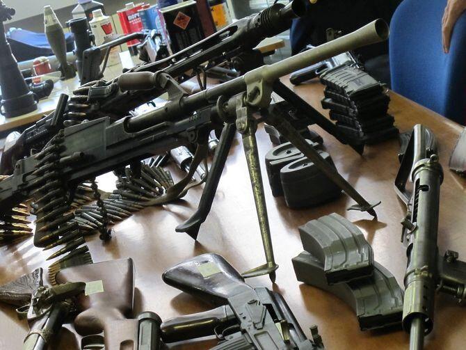 Marano, sequestrato arsenale del clan: arrestato giovane incensurato