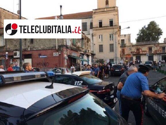 Napoli, agguato contro ex pentito vicino la metro di Piscinola: ferito 15enne