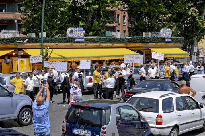 Napoli, problemi per lo Chalet Ciro a Mergellina: incontro Fipe-Comune