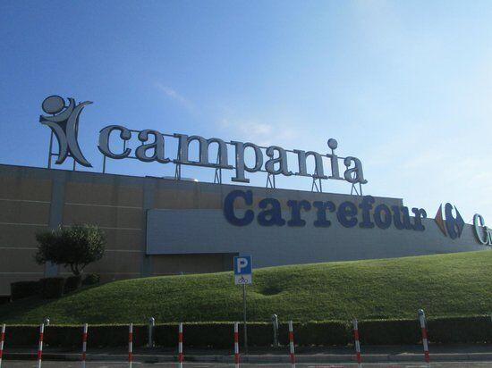 Marcianise, va al Centro Campania per rubare durante i saldi estivi: arrestato
