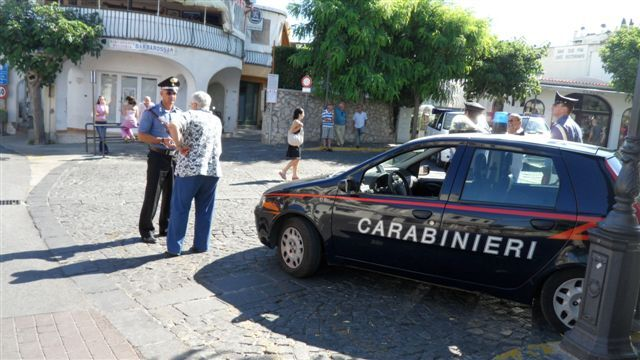 """Capri, droga per i vip: due arresti. In manette anche 24enne della """"Paranza dei bimbi"""""""