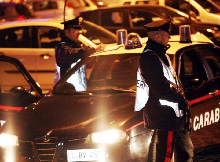 Movida Napoli e Pozzuoli, controlli a tappeto contro spaccio e parcheggiatori abusivi: raffica di arresti e denunce