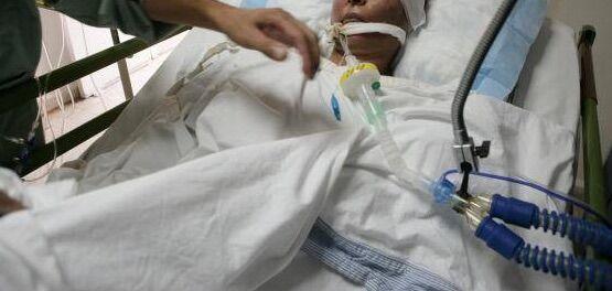 """Torino, infermiere ruba anello a donna in coma e lo rivende al """"Compro oro"""""""