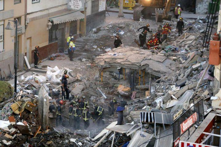 Nuovi crolli in Campania. Cede il muro di un palazzo a Battipaglia: famiglie evacuate