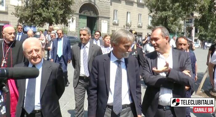 Napoli, inaugurata nuova uscita metro in piazza Municipio. VIDEO