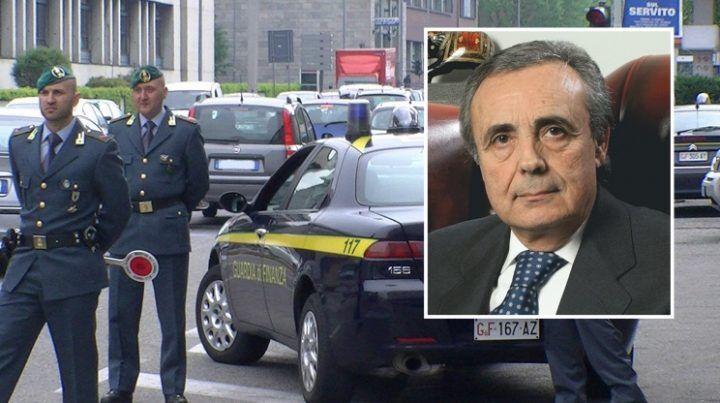 Corruzione, inchiesta su clan Mallardo: sequestro all'ex sindaco di Giugliano Pianese