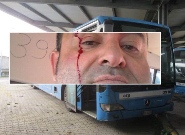 Lago Patria, violenza sull'autobus M1: autista preso a pugni