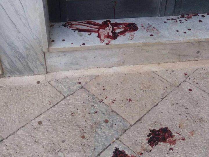 Salerno, ristoratore picchiato e rapinato sotto casa