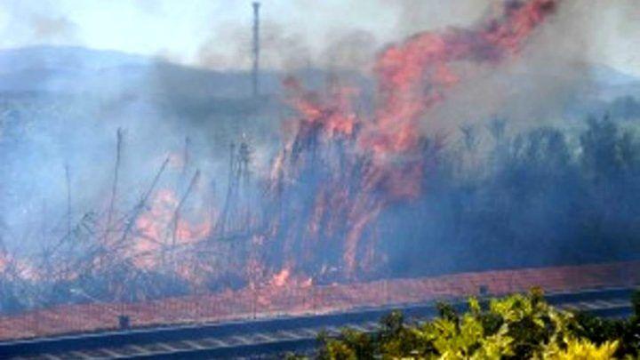 Incendio nei pressi della linea Av Roma – Napoli: ritardi fino a 60 minuti