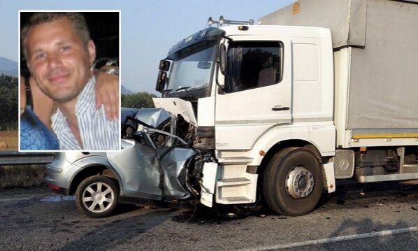 Auto contro camion: nell'incidente muore 36enne di Poggiomarino