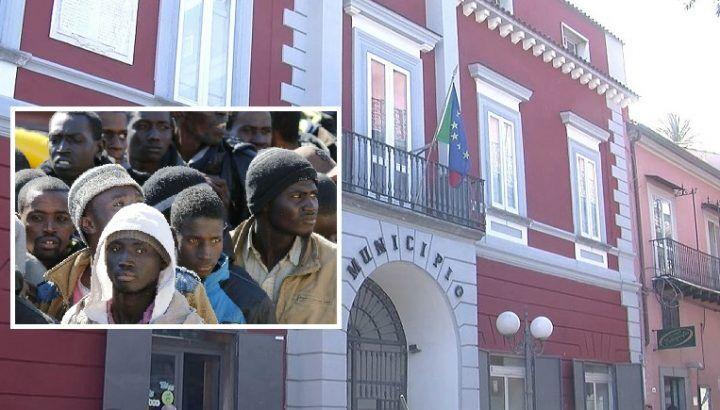 """Migranti a Villaricca, polemiche da opposizione. Punzo: """"Così gestiamo l'integrazione"""""""
