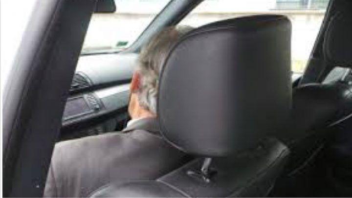 Campania, lo trovano così: quando aprono l'auto fanno una scoperta terribile