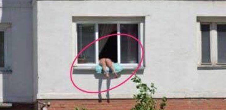 Roma, tenta di violentare studentessa escort: lei scappa dalla finestra