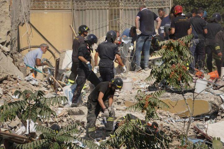 Torre Annunziata, crollo palazzina: identificate le prime due vittime