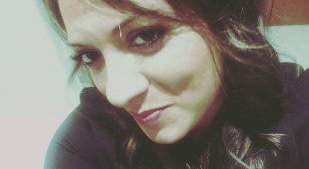 Tragedia in Puglia, Valentina muore in un incidente. Grave il figlioletto