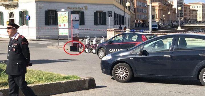 Salerno. Allarme bomba, valigetta sospetta in strada: caos in piazza