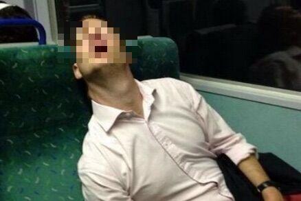 Napoli, ferito sul treno Frecciarossa: un bagaglio gli procura un trauma cranico