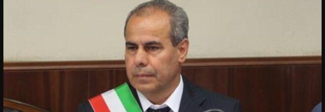 Torre del Greco, truffa e corruzione: arrestato il sindaco Borriello