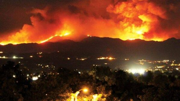 Appiccavano incendi per soldi: 15 volontari indagati