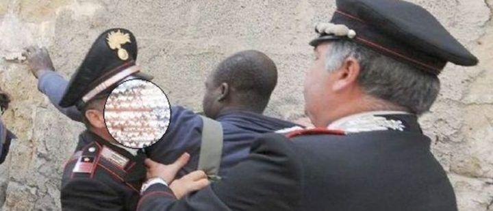 Colluttazione con immigrato armato di coltello, carabinieri sparano: ferito