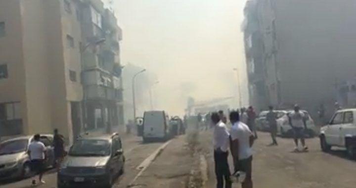 Mugnano: paura nelle palazzine per un incendio, persone svenute in strada