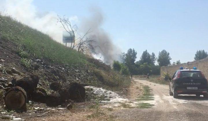 Roghi, pomeriggio d'inferno nell'area nord: la terra brucia ancora. VIDEO
