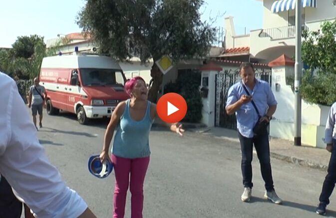 Ischia, arriva Mattarella e scatta la protesta