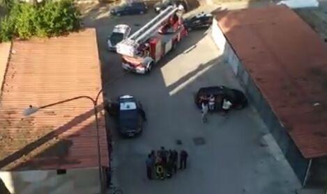 Tenta di incendiare il condominio nel casertano. Ecco cos'è successo