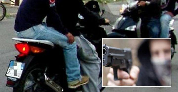 Napoli, incubo per due giovanissimi: avvicinati e accoltellati mentre sono in scooter