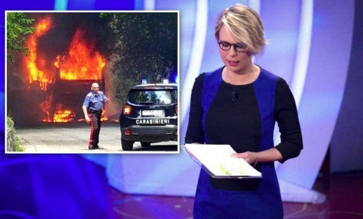 Sulmona, autobus a fuoco in autostrada: tutti in salvo