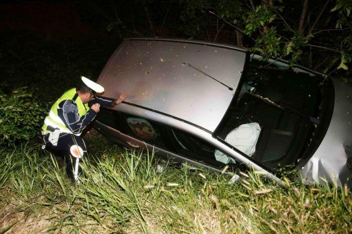 Giallo a Ischitella: auto sfonda il guardrail e vola nel fossato ma il conducente non c'è