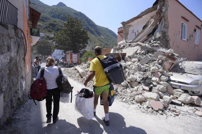 Ischia, vacanzieri in fuga senza pagare: albergatori infuriati