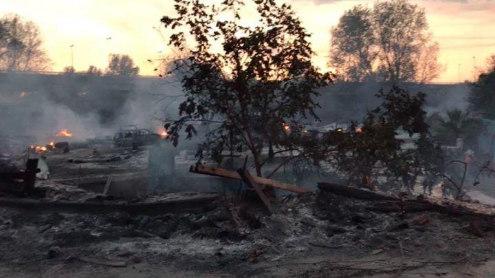 Bimbi intrappolati nel campo rom esplodono 4 bombole di gas