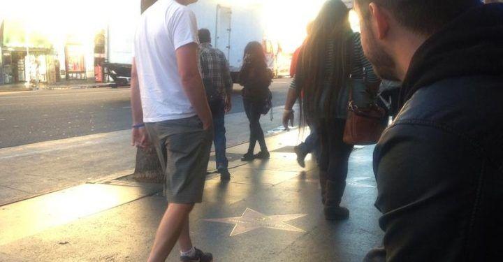 Napoli, dà informazione sbagliata in strada per condurli in luogo isolato e rapinarli: un arresto