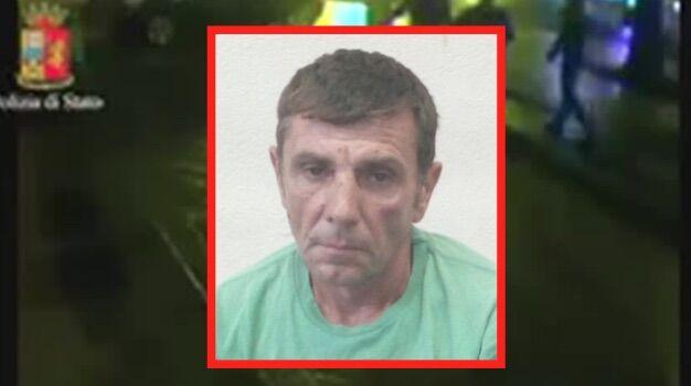 Ischia: scende nudo in strada ubriaco e dà di matto, nei guai un 47enne