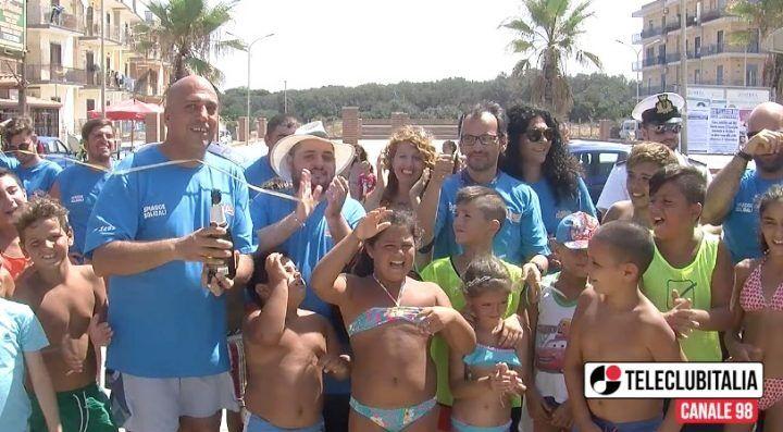A Licola la spiaggia solidale. VIDEO