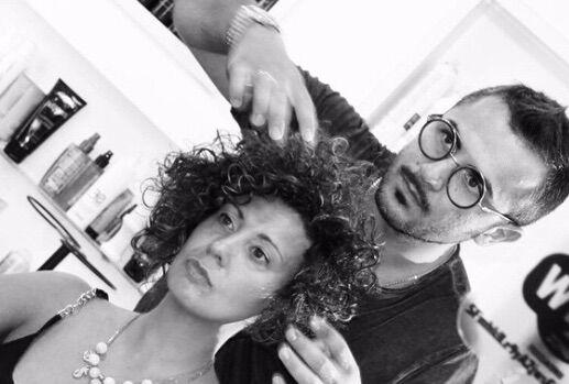 Da Giugliano alla Toscana per diffondere il marchio, successo dell'hair stylist Mik