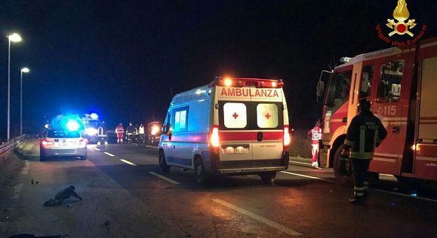 Incidente sull'A3, motociclista fatto a brandelli: il veicolo era rubato