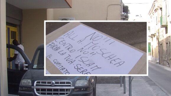 Giugliano, residenti contro la moschea: raccolta firme a Camposcino