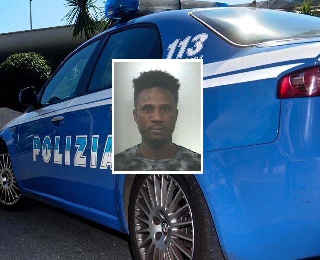 Napoli, preso borseggiatore sul 151. Botte agli agenti che lo stavano arrestando