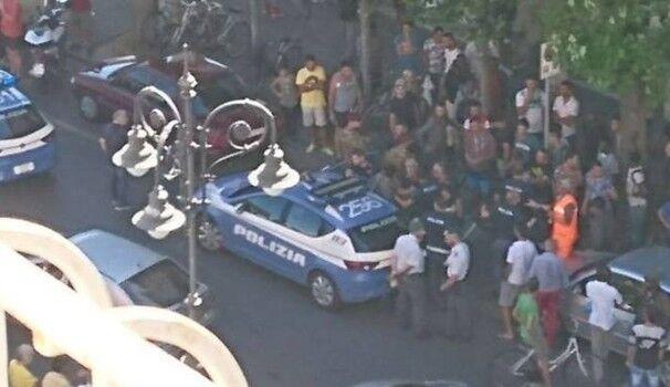 Napoli, i poliziotti accerchiano palazzo e arrestano due topi d'appartamento. I NOMI