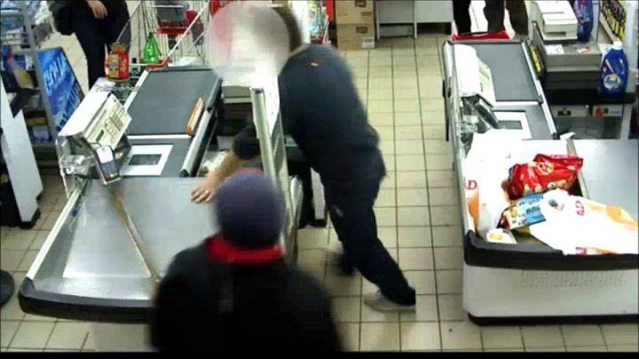 Assalto armato ad un supermercato: colpo grosso nel casertano
