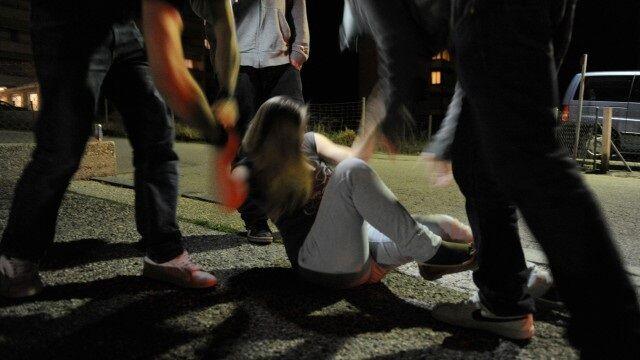 Rimini, donna stuprata e compagno picchiato sulla spiaggia