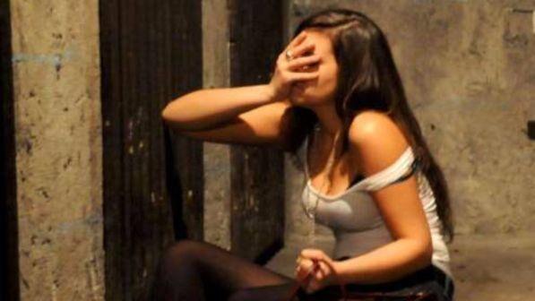Rimini, nuovo stupro in spiaggia: 34enne straniero arrestato nudo dai carabinieri