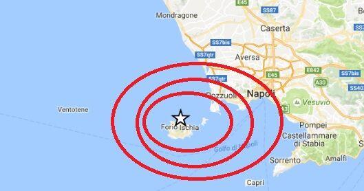 Ischia, nuova scossa di terremoto a Casamicciola. Gente in strada