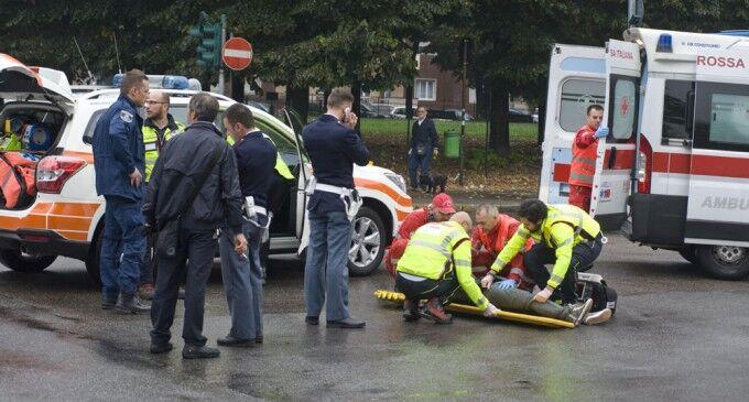 Terribile incidente nel Casertano. Travolta da un'auto una 17enne: è grave